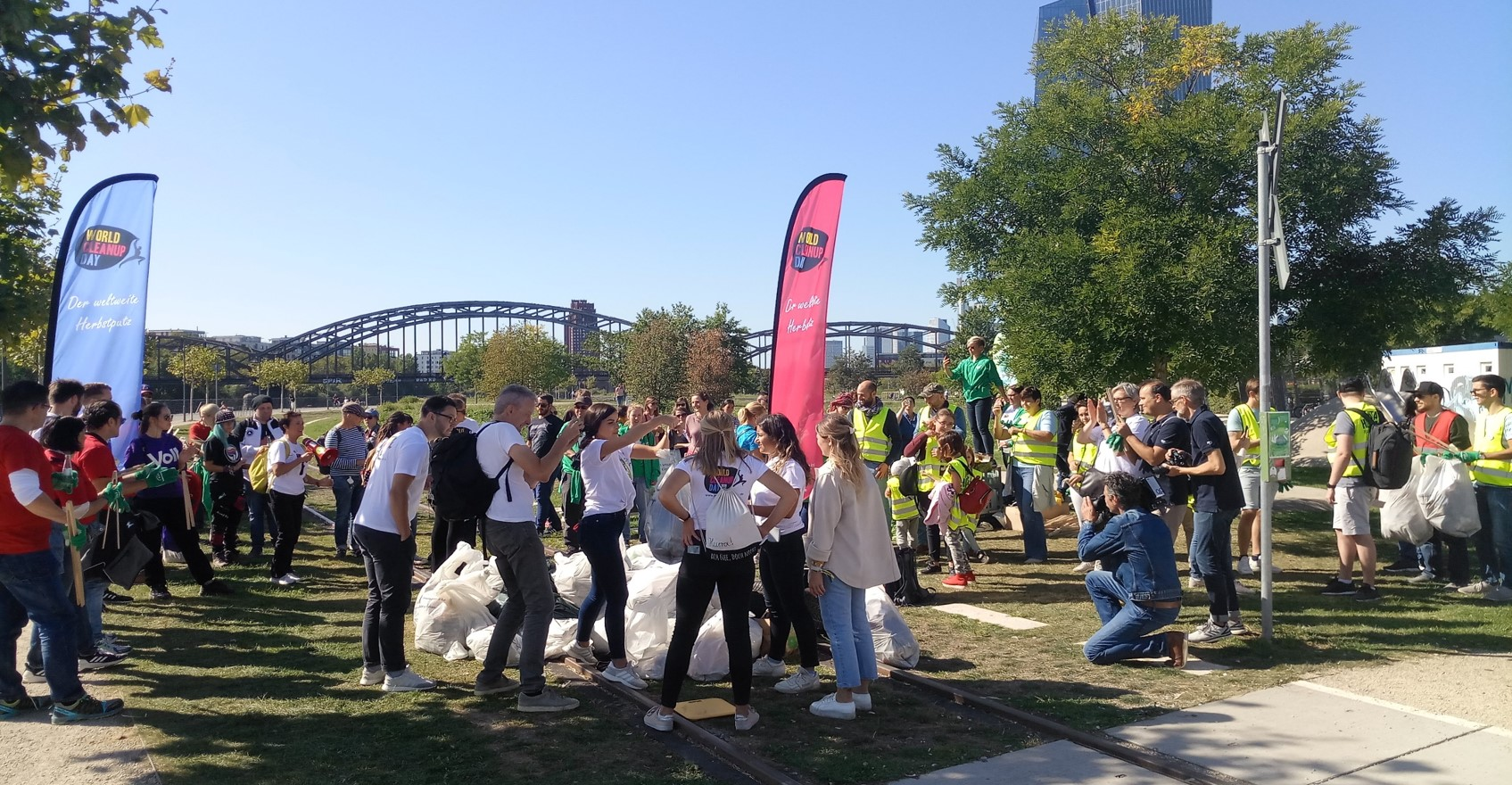 Frankfurt World Cleanup Day 2020 am Hafenpark (Hessen)