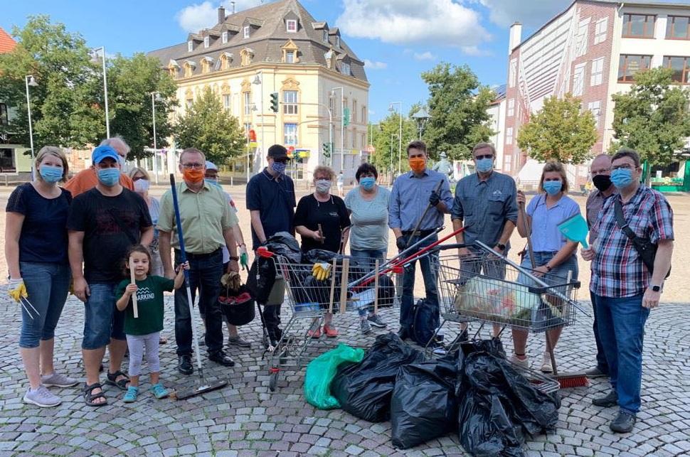 Dudweiler sammelt Müll (Saarland)